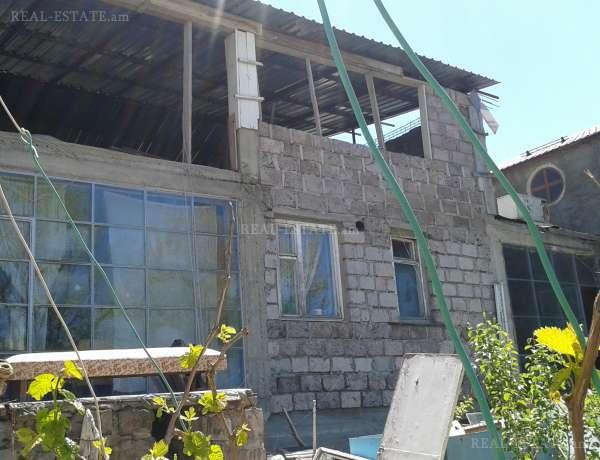 4-senyakanoc-arandznatun-vacharq-Yerevan-Nor Norq