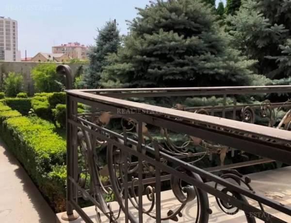 arandznatun-vacharq-Yerevan-Arabkir