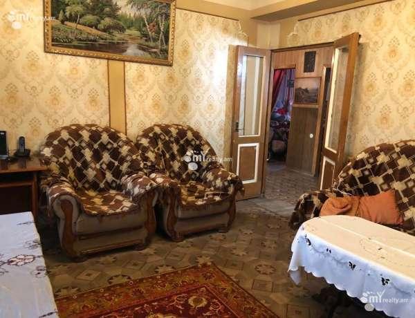 4-senyakanoc-bnakaran-vacharq-Yerevan-Erebuni