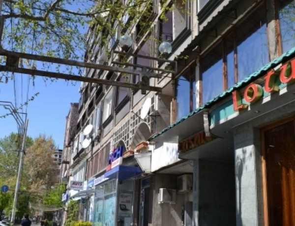 0-senyakanoc-komercion-vacharq-Yerevan-Center